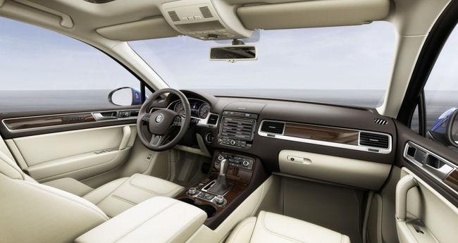 Volkswagen Touareg 2014 interior 03