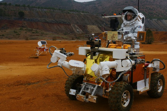 ford-space-robot-0