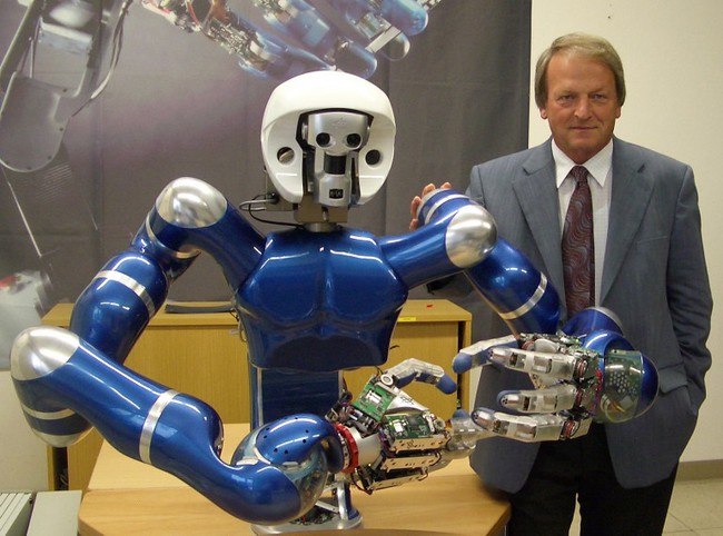 ford-space-robot-1