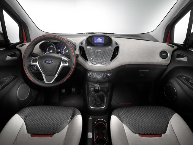 Ford Tourneo Courier 2014 interior