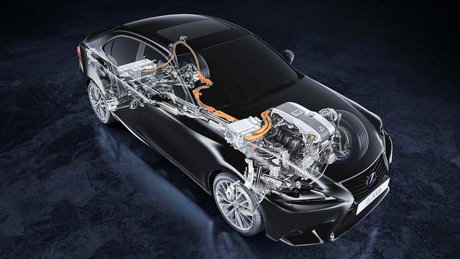 Lexus_IS_300h_43