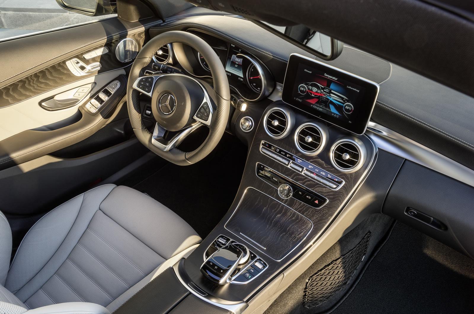 Mercedes clase c estate 2014 precios motores equipamientos for Interior mercedes clase c