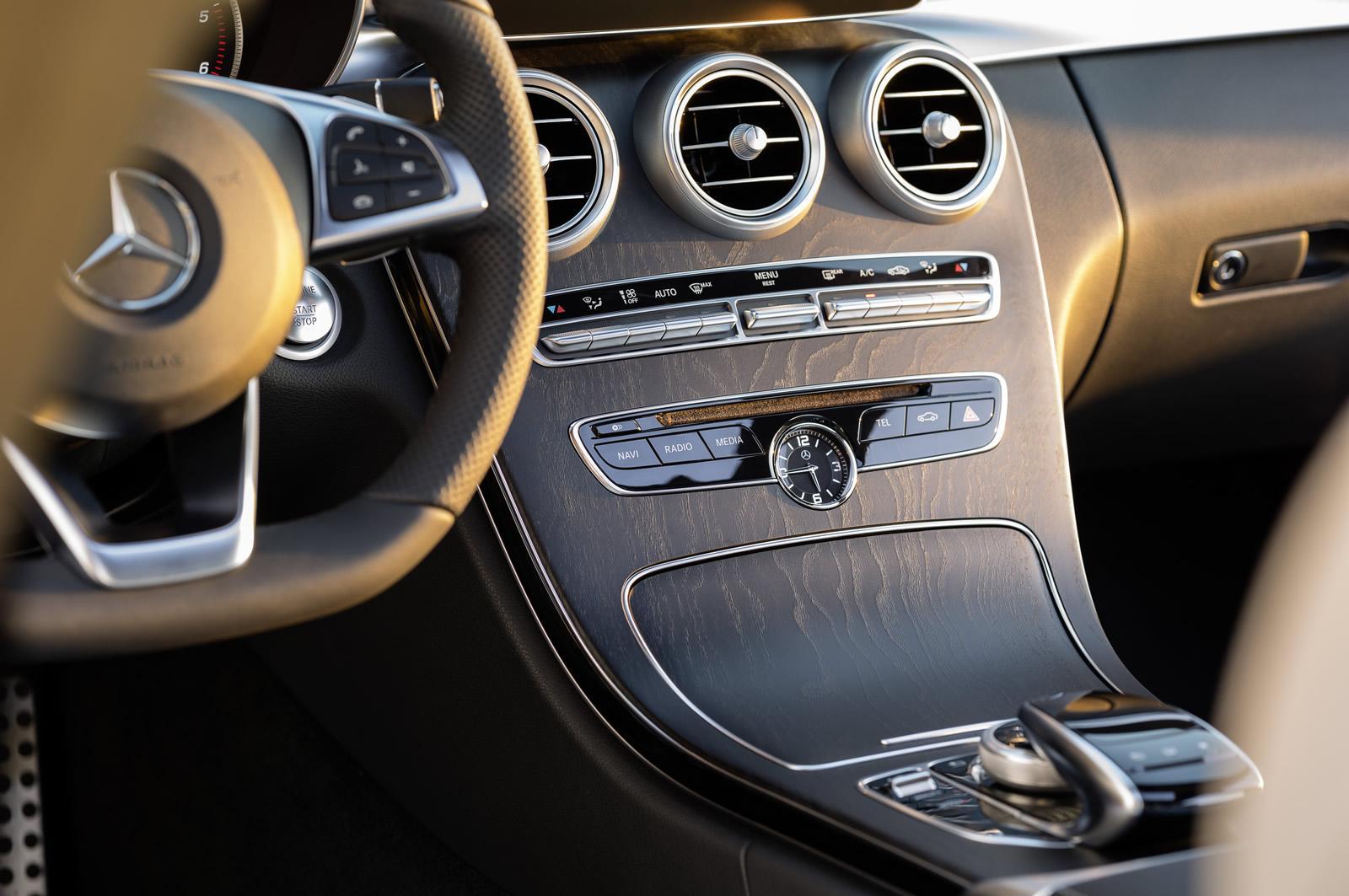 Mercedes-Benz Clase C Estate 2014 interior 05