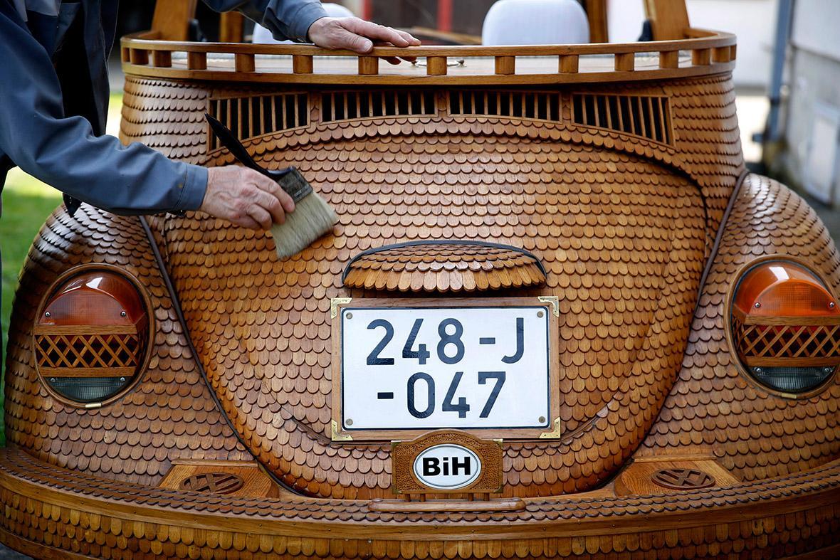 Volkswagen Beetle madera 02