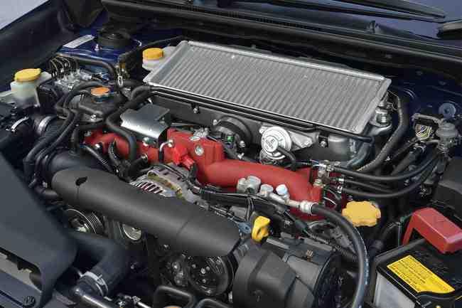 motor Subaru WRX STI
