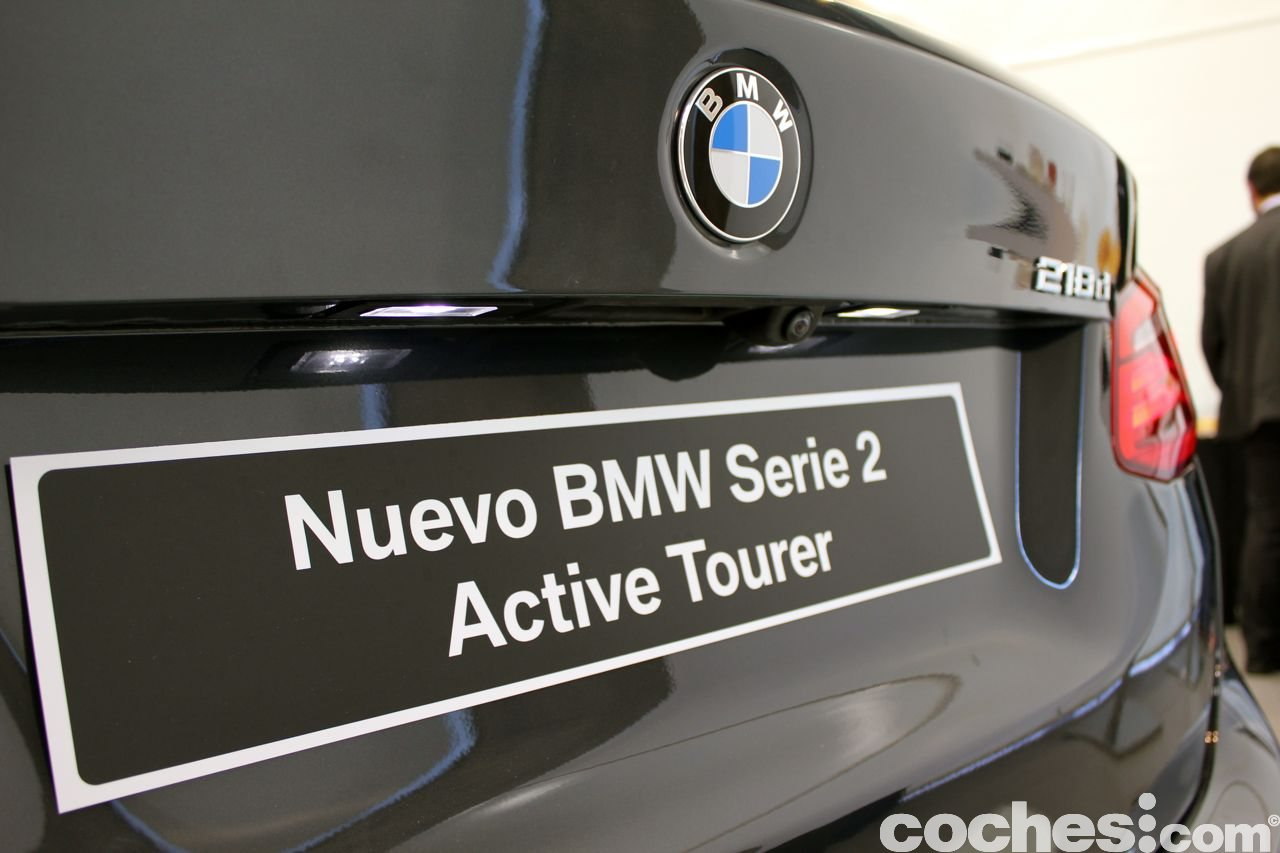 bmw serie 2 active tourer equipamiento y precios. Black Bedroom Furniture Sets. Home Design Ideas
