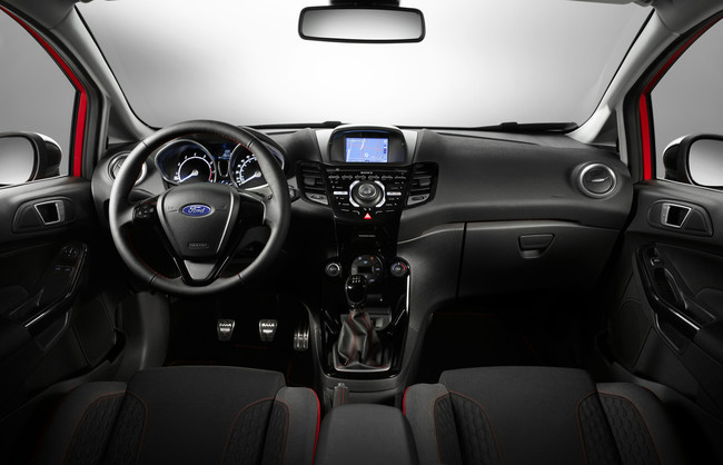Ford Fiesta Red Edition Black Edition 2014 interior 04