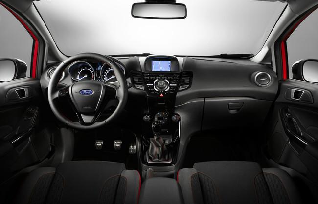 Ford Fiesta Red Edition Black Edition 2014 interior 04