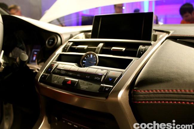 Lexus NX 300h 2014 presentación 29