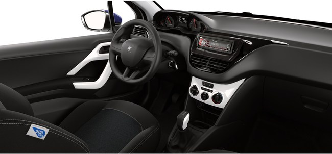 Peugeot 208 Like 2014 interior 01