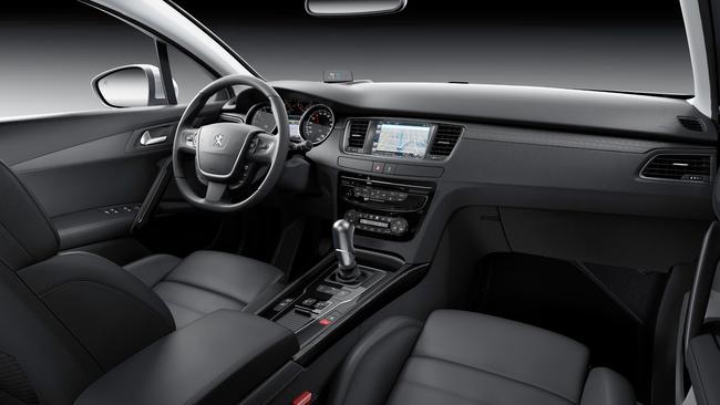 Peugeot 508 2014 interior 01