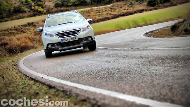 Peugeot_2008_56