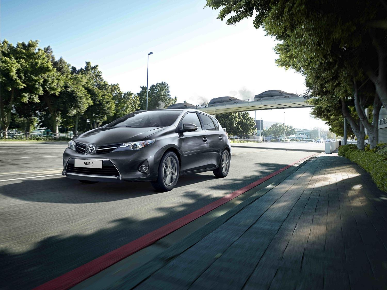 Toyota Auris Feel 2014 01
