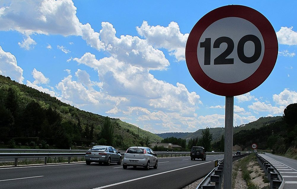 limite velocidad 120 km