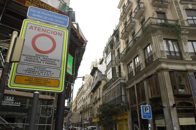 señal trafico restringido madrid