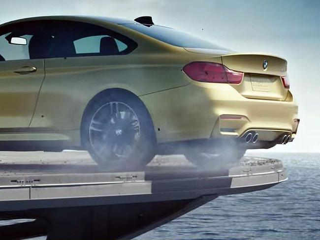 BMW M4 publicidad portaavioones