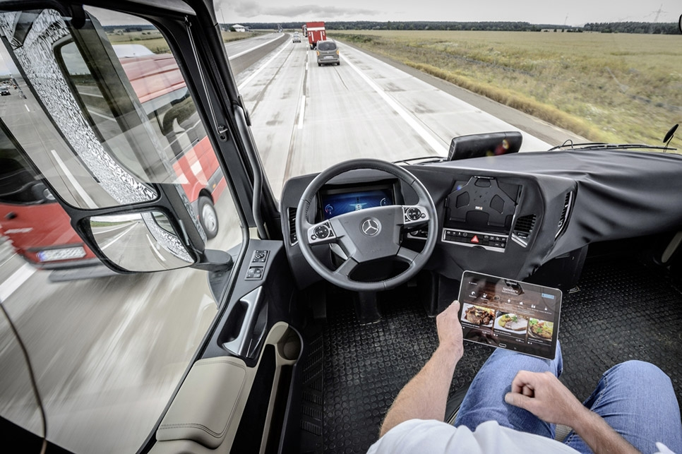 Mercedes Future Track 2025 06