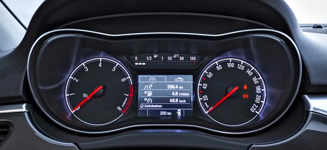 Opel Corsa 2014 interior 03