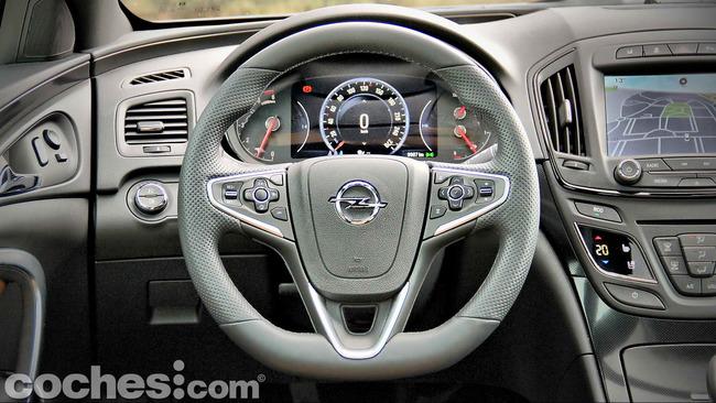 Opel_Insignia_Sports_Tourer_ecoFLEX_11