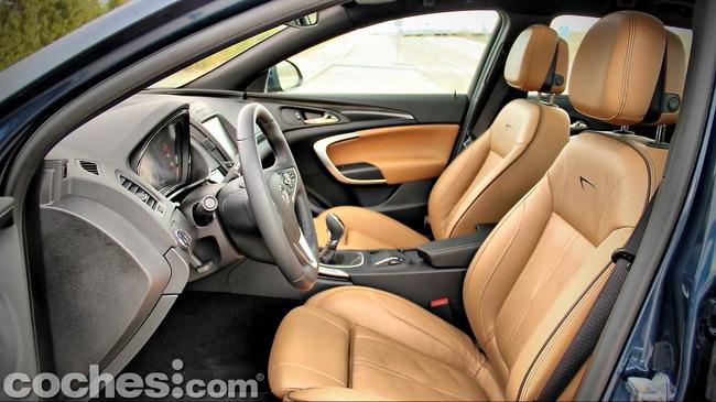 Opel_Insignia_Sports_Tourer_ecoFLEX_12