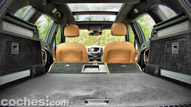 Opel_Insignia_Sports_Tourer_ecoFLEX_15