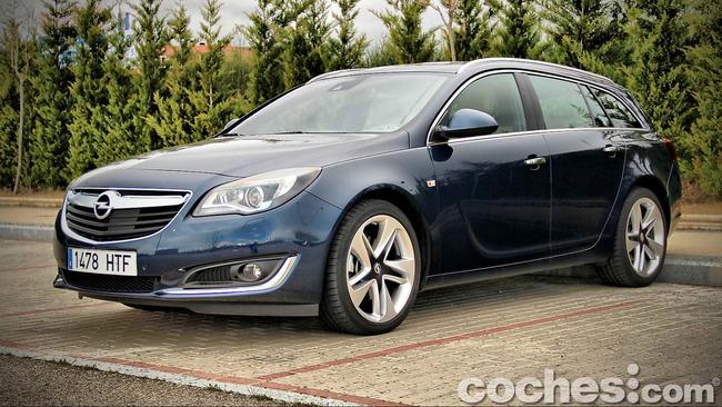 Opel_Insignia_Sports_Tourer_ecoFLEX_18
