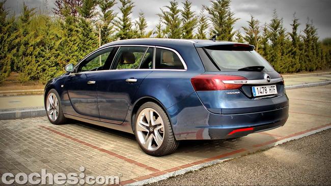 Opel_Insignia_Sports_Tourer_ecoFLEX_19