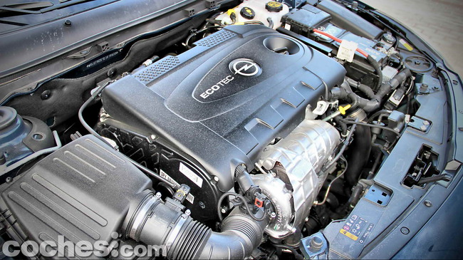 Opel_Insignia_Sports_Tourer_ecoFLEX_53