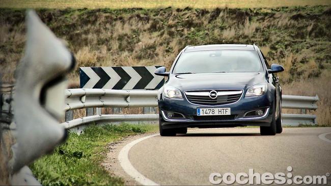 Opel_Insignia_Sports_Tourer_ecoFLEX_56