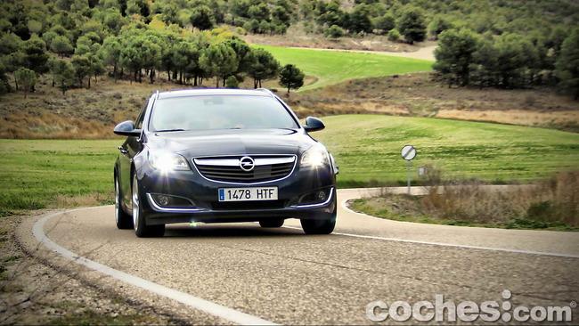 Opel_Insignia_Sports_Tourer_ecoFLEX_58