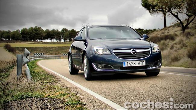 Opel_Insignia_Sports_Tourer_ecoFLEX_61