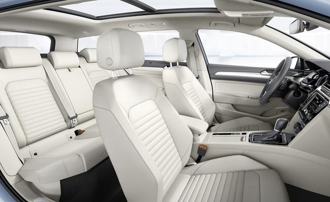 Volkswagen Passa 2015 interior 04