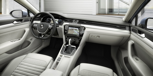 Volkswagen Passa 2015 interior 05