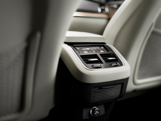 Volvo XC90 2015 interior 07