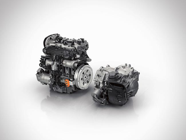 Volvo XC90 T8 2015 04