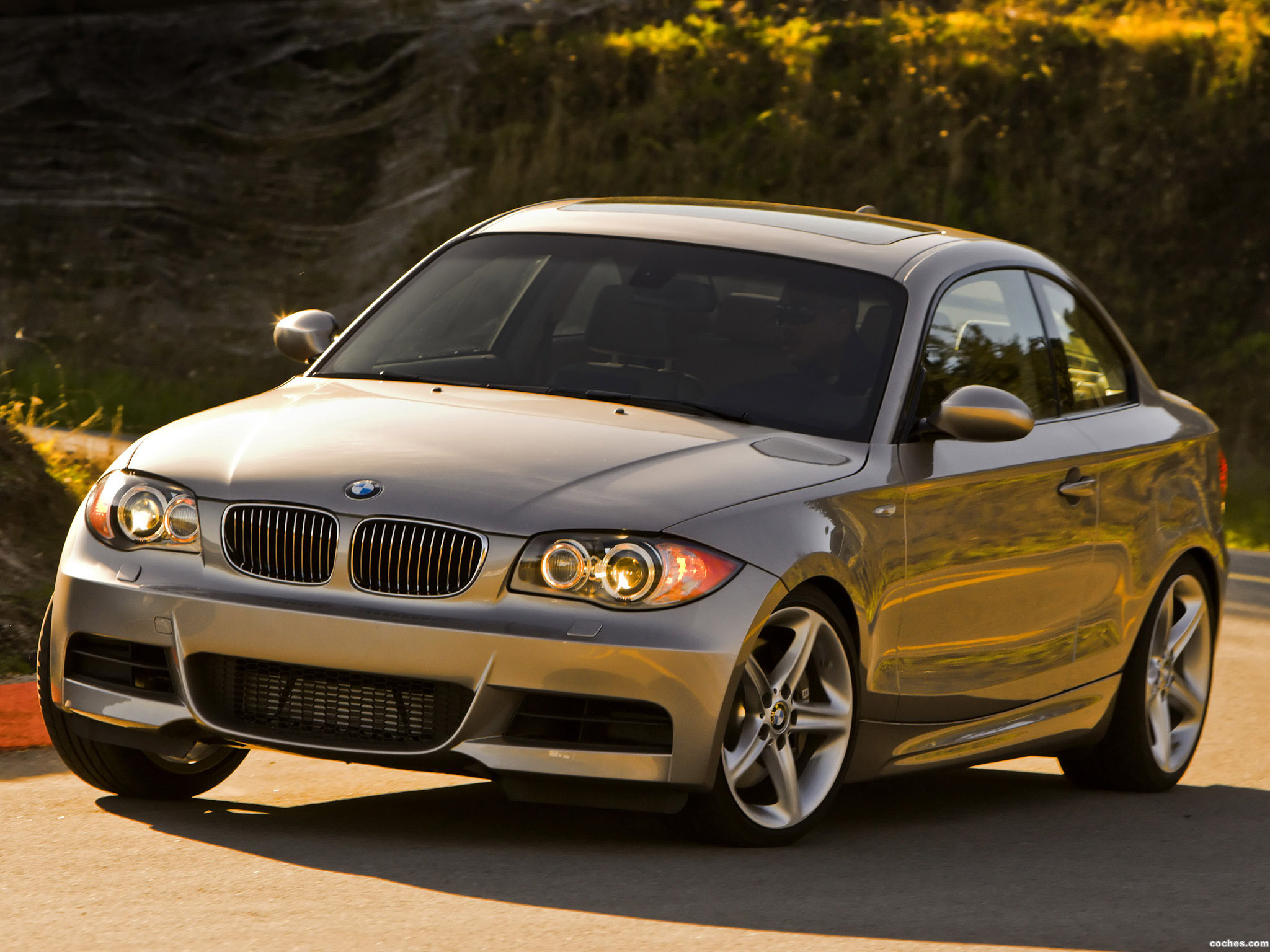 fotos de bmw serie 1 135i coupe e82 usa 2008. Black Bedroom Furniture Sets. Home Design Ideas