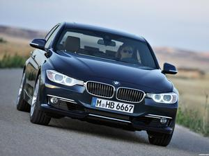 BMW Serie 3 328i Sedan Luxury Line F30 2012