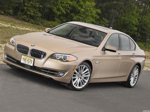 BMW Serie 5 550i Sedan USA F10 2010
