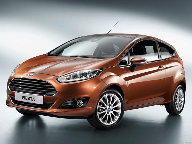 ford_fiesta-3-door-2013_r5