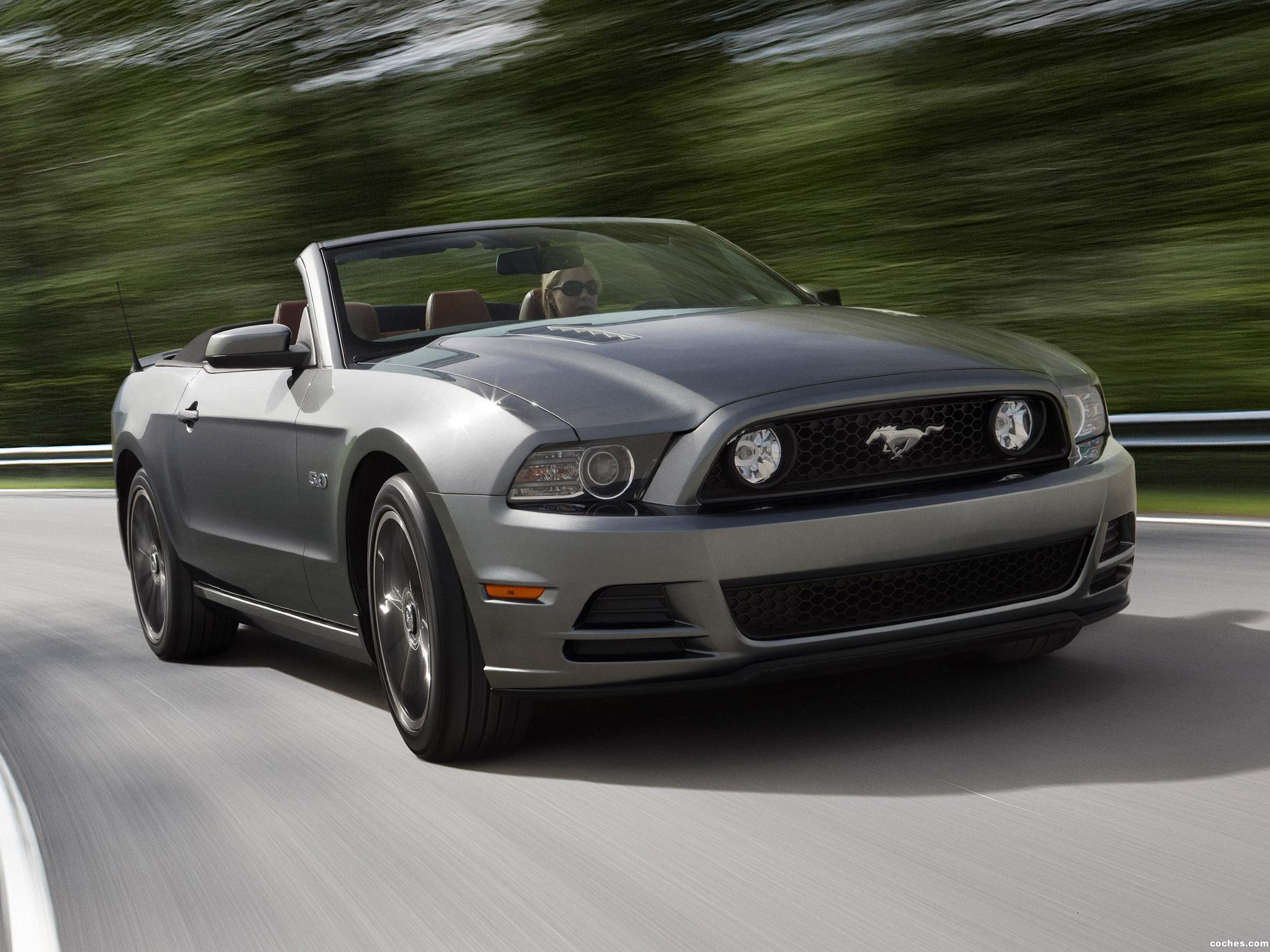 fotos de ford mustang 5 0 gt convertible 2012. Black Bedroom Furniture Sets. Home Design Ideas
