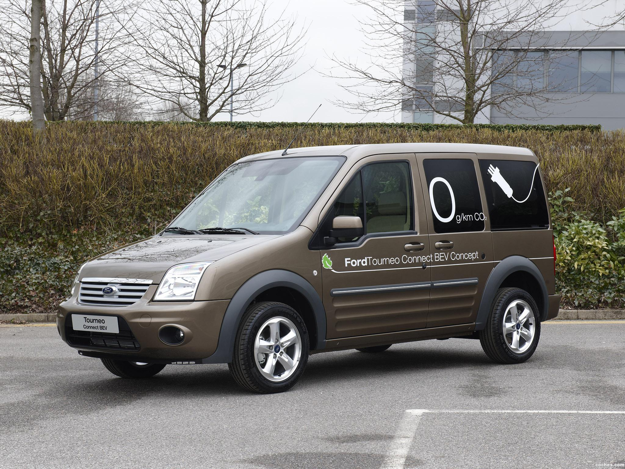 ford_tourneo-connect-bev_r4
