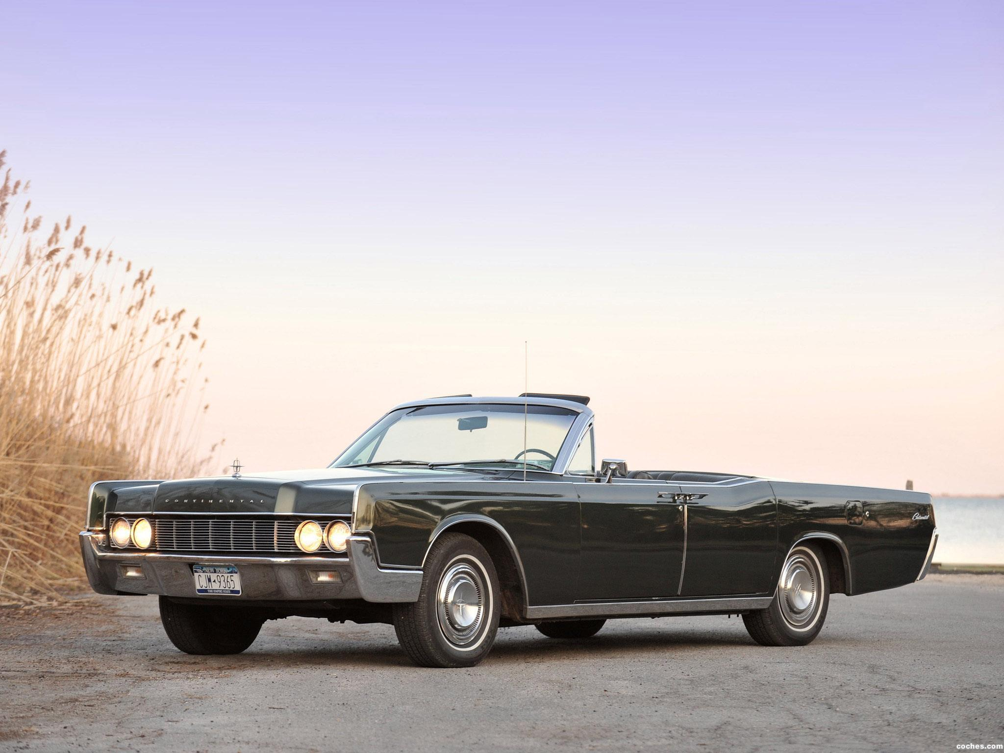 lincoln_continental-convertible-1967_r4