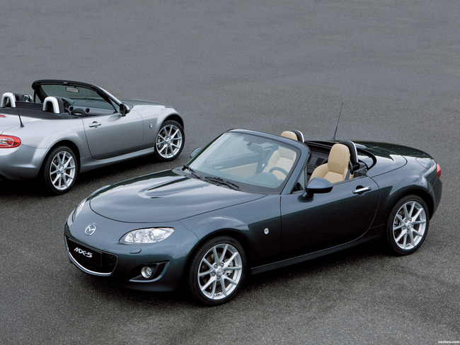 mazda_mx-5-roadster-coupe-2008_r6