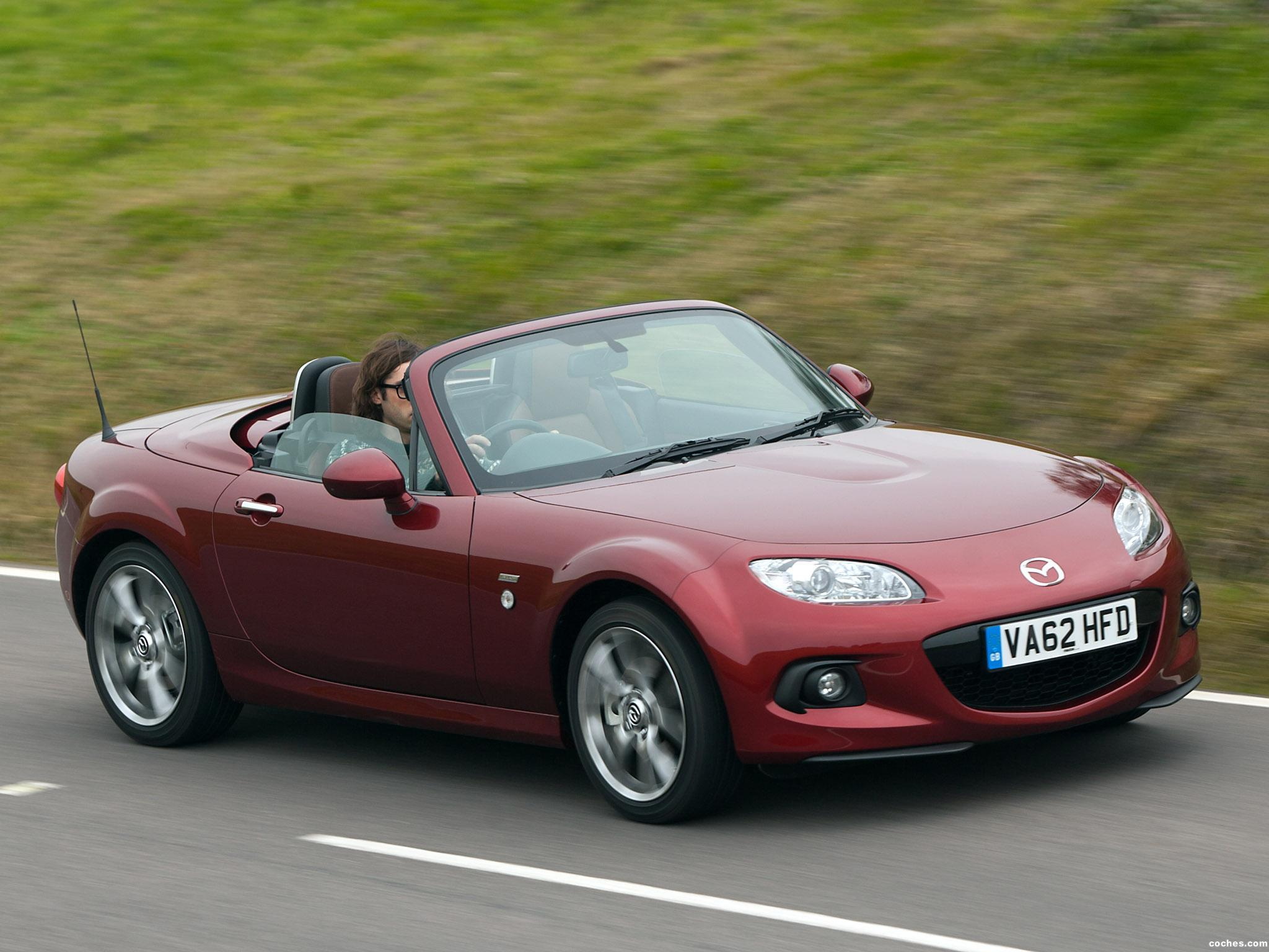 https://noticias.coches.com/wp-content/uploads/2014/07/mazda_mx-5-roadster-coupe-venture-edition-uk-2013_r3.jpg