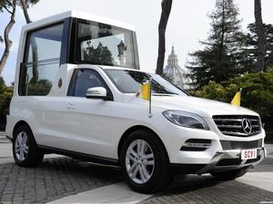 Mercedes Clase M ML Popemobile 2012