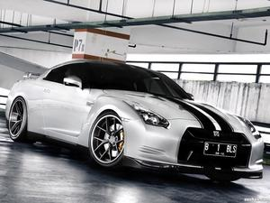 Nissan GT-R PUR Wheels 2012