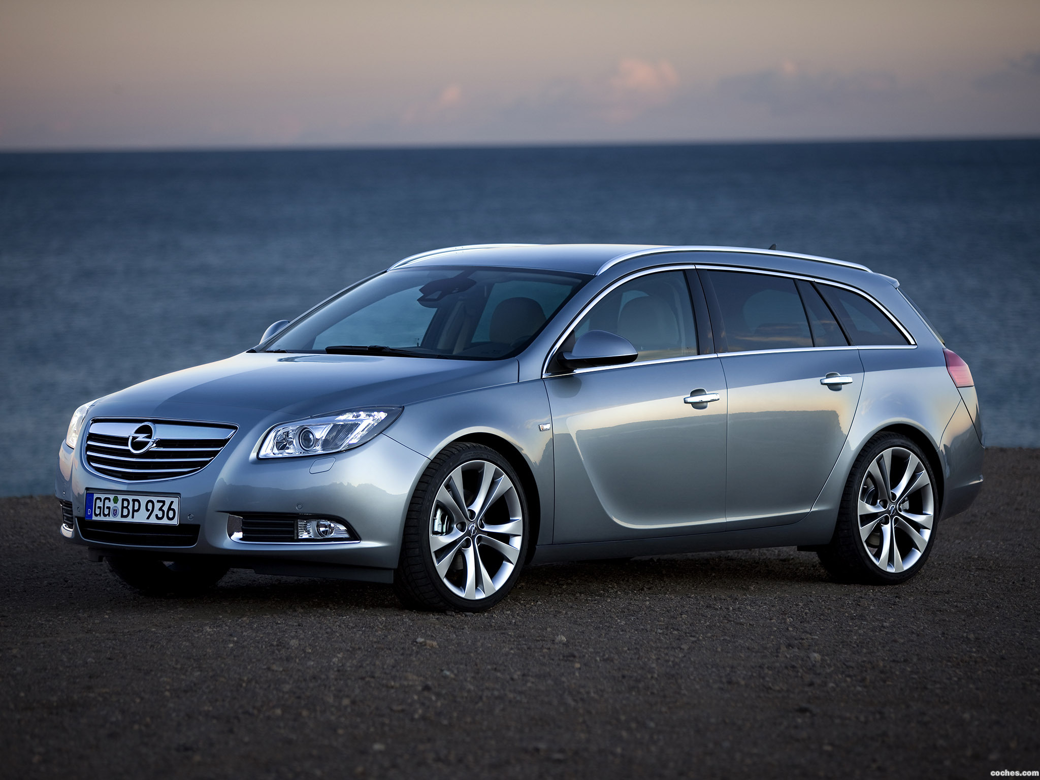fotos de opel insignia sports tourer 2008. Black Bedroom Furniture Sets. Home Design Ideas