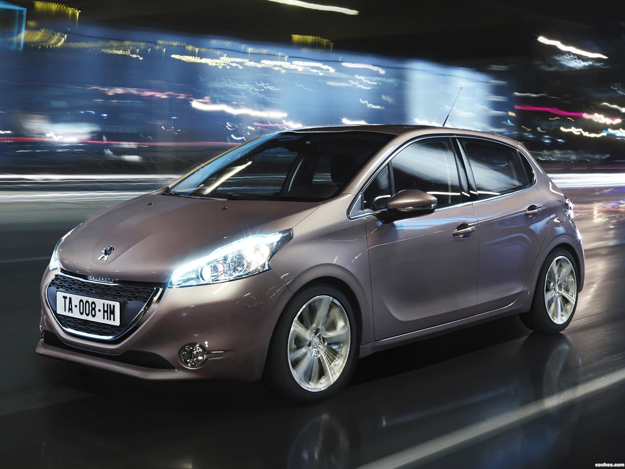 fotos de peugeot 208 5 puertas 2012. Black Bedroom Furniture Sets. Home Design Ideas