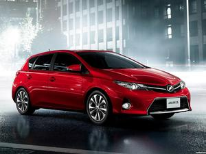 Toyota Auris RS S-Package Japan 2013