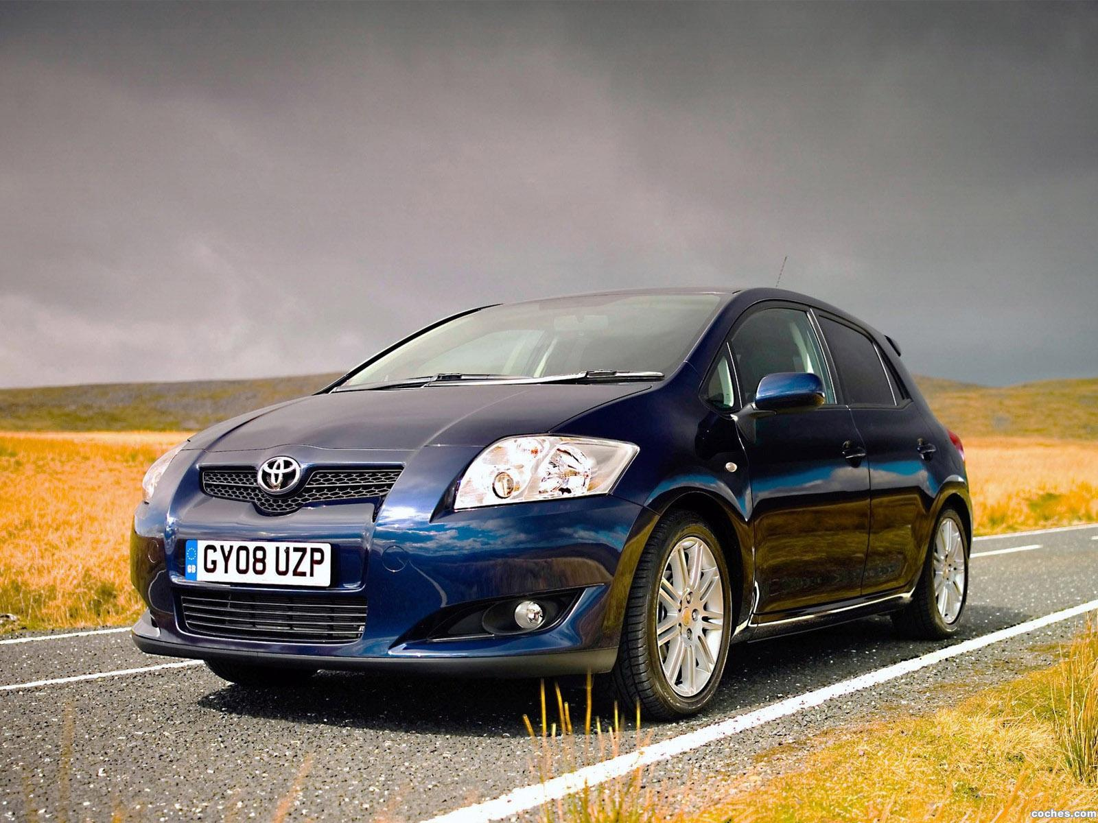 toyota_auris-sr-5-door-uk-2008_r4
